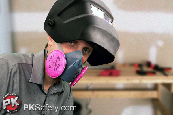Welding-with-Respirator-600px-New